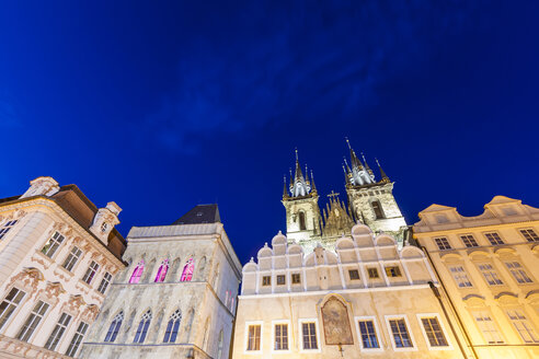 Czech Republic, Prague, Palais Kinsky, Stone Bell House and Tyn Church at Old Town Square - WDF04139