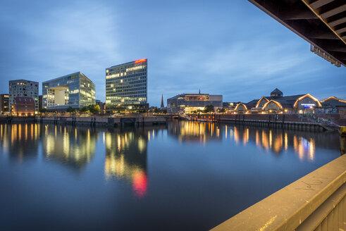 Germany, Hamburg, view to Ericusspitze and Deichtorhallen from Oberhafenbruecke - KEB00616