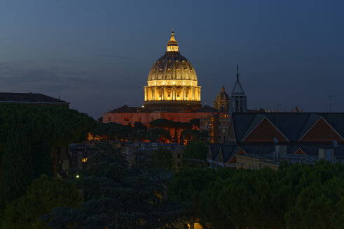 Italy, Rome, illuminated St. Peter's Basilica at night - LBF01639