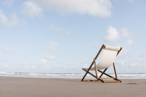 Deckchair on the beach - KNSF02657
