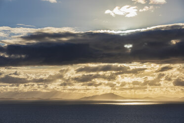 UK, Scotland, Inner Hebrides, Isle of Skye, cloudscape at sunset - FOF09334