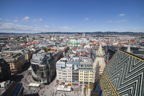 Austria, Vienna, cityscape with Stephansplatz seen from rooftop of St. Stephen's Cathedral - ABOF00255