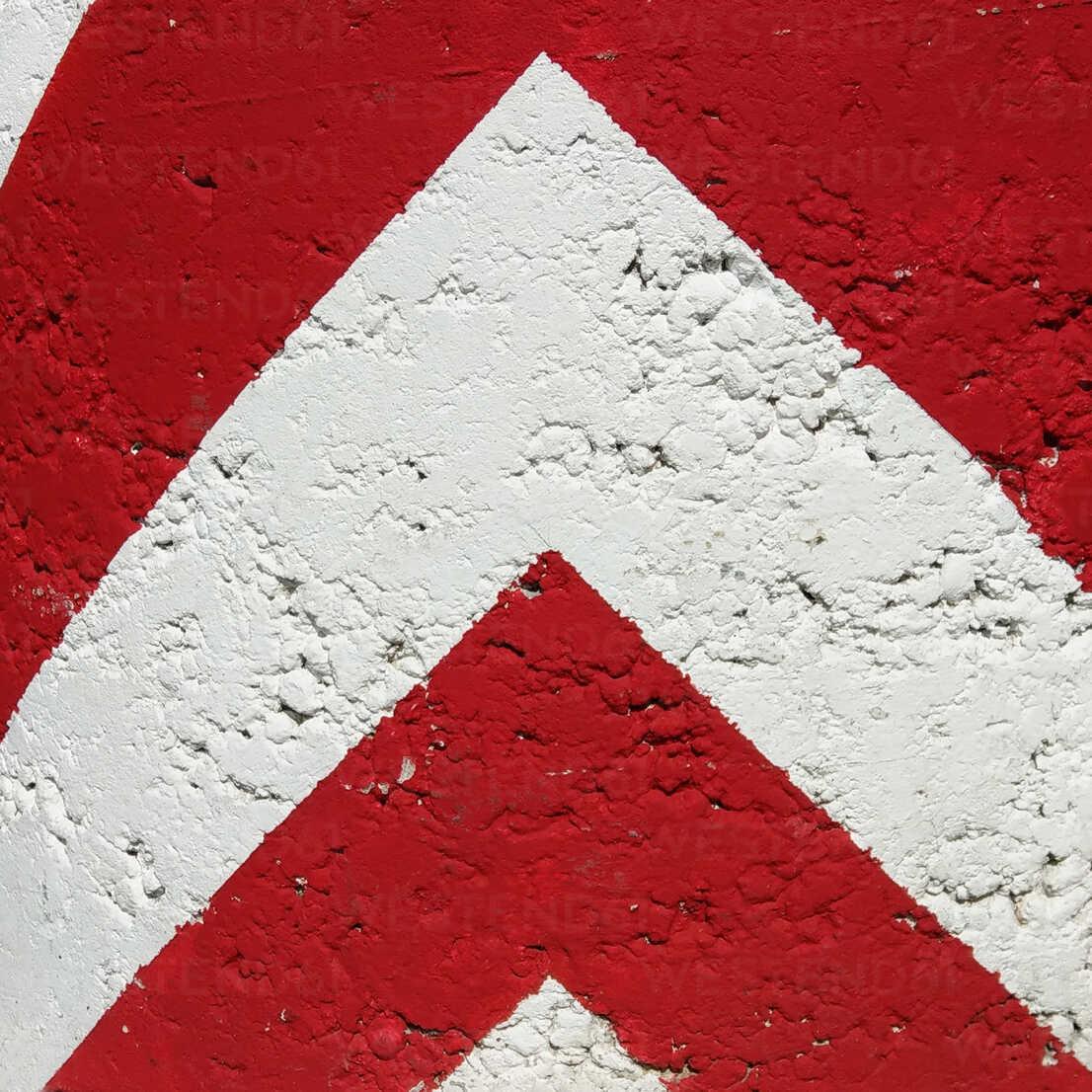 warning, sign, red - NGF00397 - Nadine Ginzel/Westend61