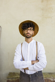 Portrait of man wearing old-fashioned clothes - MGIF00135