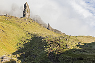 UK, Scotland, Inner Hebrides, Isle of Skye, Trotternish, clouds around The Storr - FOF09393
