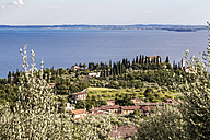Italy, Toscolano-Maderno, view to Lake Garda from above - JFEF00855