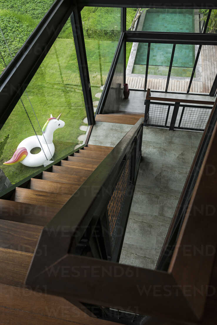 Top view of stairs and swimming pool in contemporary design house with glass facade - SBOF00809 - Steve Brookland/Westend61