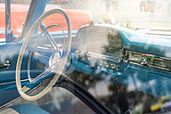 Steering wheel and dashboard of a vintage car - FRF00561