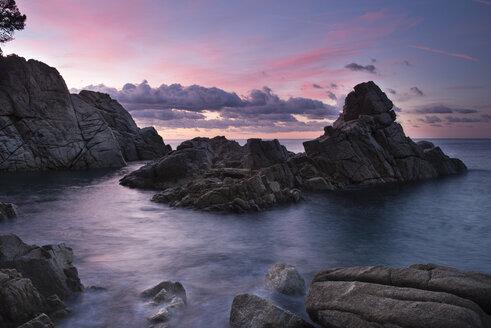 Spain, Catalonia, Lloret de Mar, Cala Trons at twilight - SKCF00319