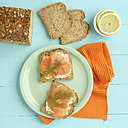 Carrot bread with cream cheese and smoked salmon - ECF01908