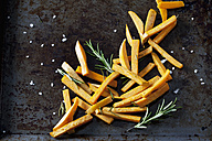 Preparing sweet potato fries - CSF28318