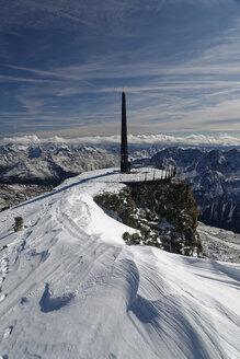 Austria, Tyrol, Oetztal, Soelden, observation deck Schwarze Schneid with obelisk - GFF01043