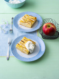 Apple Pie with whipped cream - PPXF00088