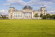 Germany, Berlin, Berlin-Tiergarten, view to Reichstag - WDF04164