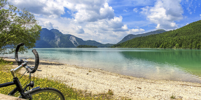 Germany, Bavaria, Lake Walchen, bicycle in the foreground - PUF00854