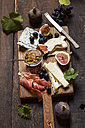 Cheese platter with fruits and fig mustard - SBDF03338