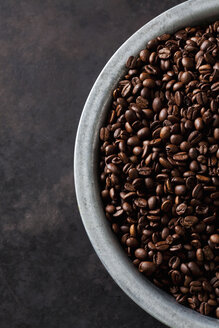 Freshly roasted coffee beans in a bowl - CSF28409