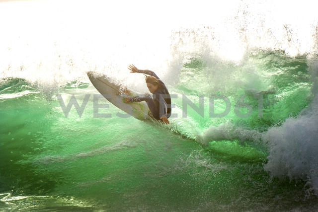 Spain, Tenerife, Surfer on the ocean - SIPF01821 - Simona Pilolla/Westend61