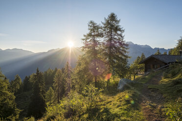 Italy, Trentino, Rendena valley, Brenta mountain range at sunrise - LOMF00652