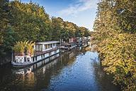 Germany, Hamburg, houseboats at Elbe canal - KEBF00673