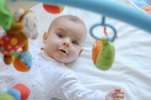 Portrait of baby boy - MOMF00283
