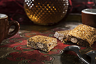 Sesame almond brittle - CSTF01428