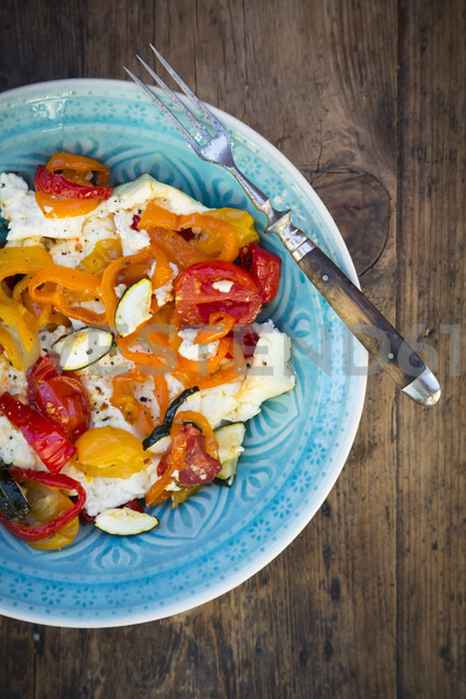 Baked goat cheese with paprika, tomato and zucchini - LVF06356
