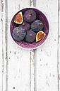 Bio figs in a bowl - LVF06380