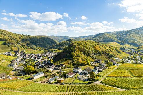 Germany, Rhineland-Palatinate, Ahr Valley, Maischoss, wine village - FRF00597