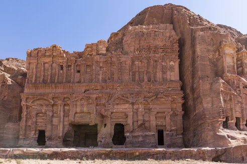 Jordania, Wadi Musa, Petra, Royal tombs, Palace grave - MABF00469