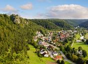 Germany, Bavaria, Altmuehl Valley, Arnsberg with castle Arnsberg - SIEF07585