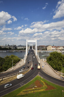 Hungary, Budapest, cityscape with Elisabeth Bridge over Danube river - ABOF00305