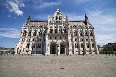 Hungary, Budapest, Hungarian Parliament building - ABOF00311