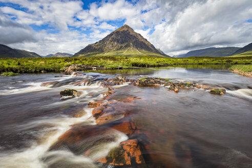 Great Britain, Scotland, Scottish Highlands, Glen Coe, Etive Mor, Glen Etive, River Etive,  Mountain massif Buachaille Etive Mor with Mountain Stob Dearg - FOF09444