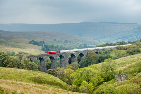 Great Britain, England, District Yorkshire Dales, Dent Head Viaduct, Settle–Carlisle line - STSF01389