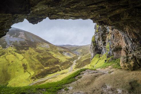 UK, Scotland, Highland, Asynt, Allt nan Uamh valley, Bone Caves - STSF01410