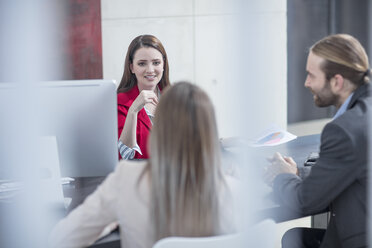Colleagues having a meeting in office - ZEF14814