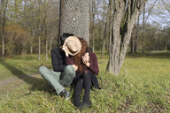 Affectionate couple in the forest in autumn - FCF01317