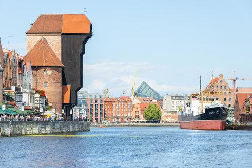 Poland, Pomerania, Gdansk, Mottlau, Crane Gate, promenade and museum ship, Motlawa river - CST01524