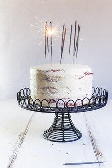 Red Velvet Cake, with buttercream, burning sparklers - SBDF03375