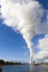 Germany, North Rhine-Westphalia, Duisburg, Walsum power plant, cooling tower - KLRF00550