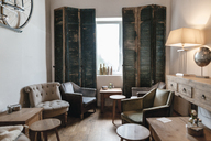Interieur of a cafe - GUSF00214