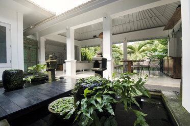 Atrium and open living area in tropical home - SBOF00957