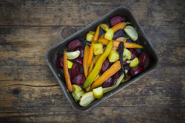 Oven winter vegetables, carrot, beetroot, potato and parsnip in roasting tray - LVF06482