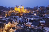 Germany, North Rhine-Westafalia, Monschau, Monschau Castle in winter - GWF05369