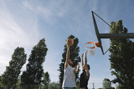 Men playing basketball - ALBF00325