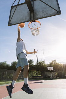 Man playing basketball - ALBF00328