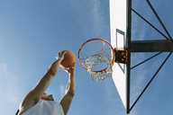 Man playing basketball - ALBF00331