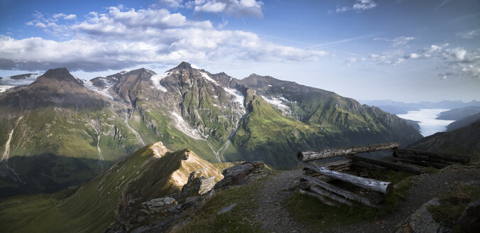 Austria, Salzburg State, View from Edelweissspitze to Grossglockner, Grosser Wiesbachhorn - STCF00359