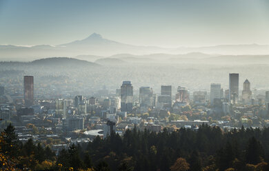 USA, Oregon, Portland, city view - STCF00374